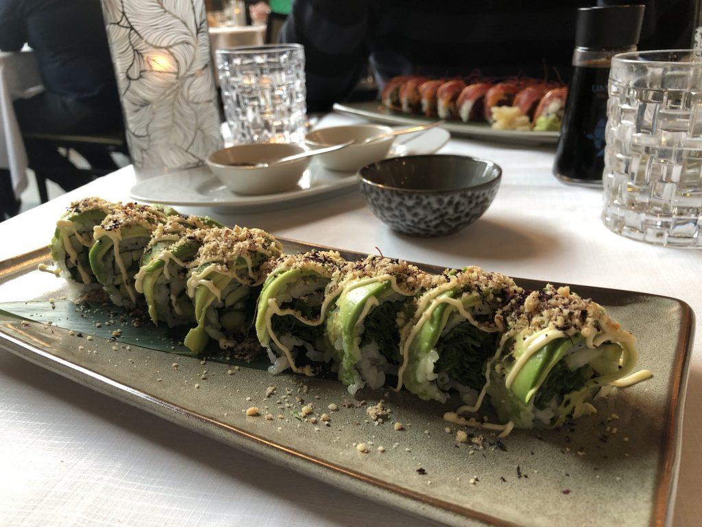 Vegan sushi roll Mood Rotterdam